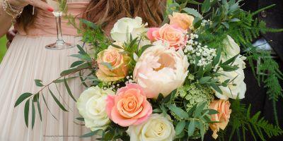 گل آرایی ماشین و دسته گل عروس ارکیده